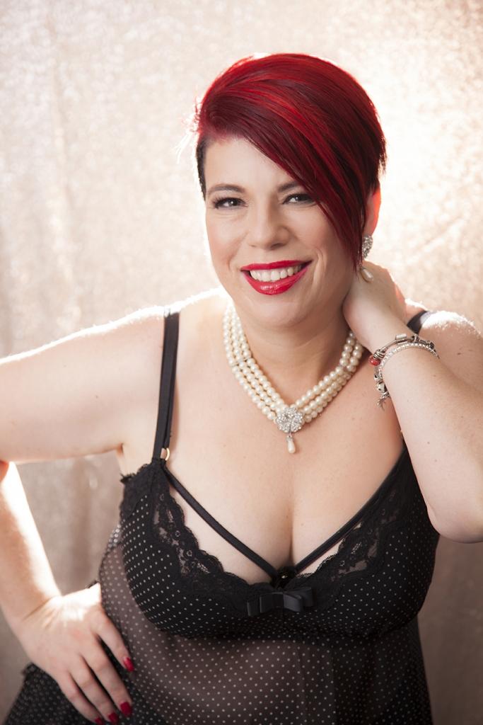 Glitter-boudoir-mature-lady